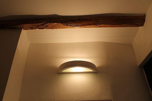 Particolare illuminazione zona notte appartamento privato